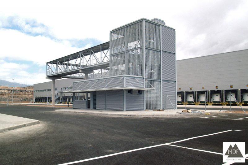Nave industrial centro logístico Hiperdino Telde