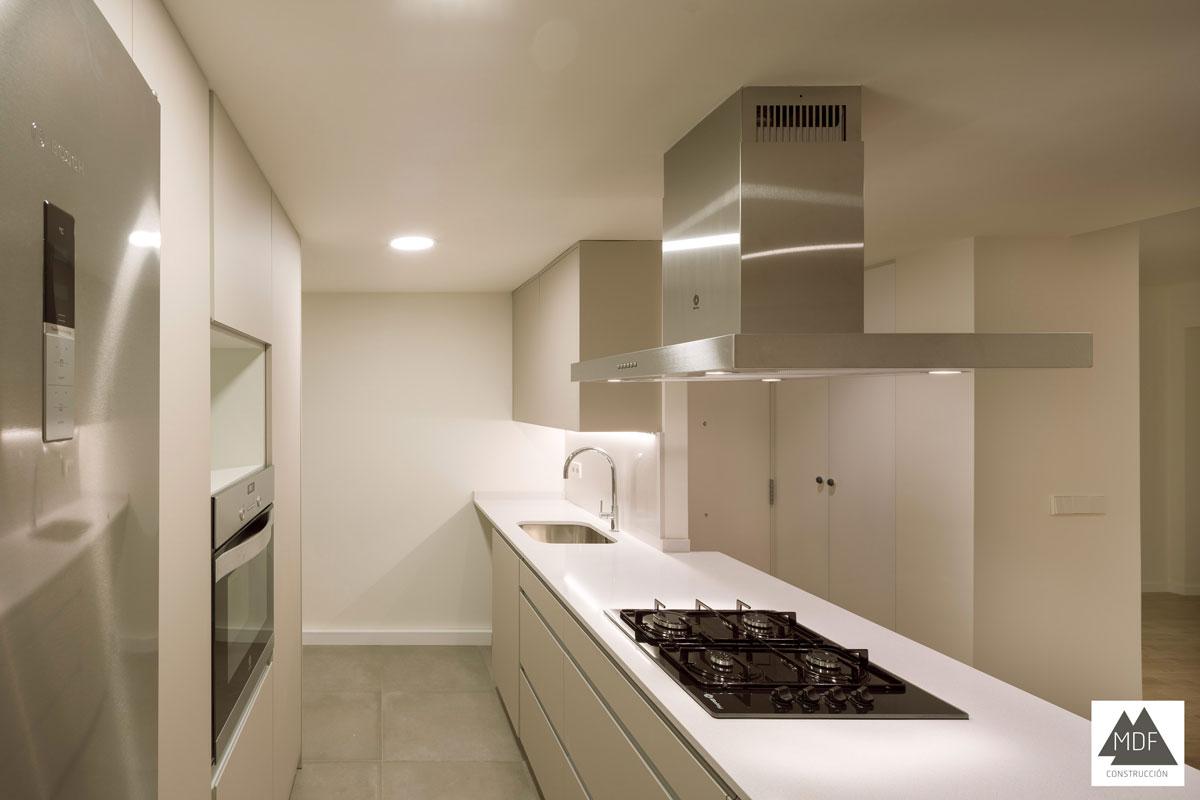 Reforma integral vivienda calle almazora empresa for Reforma integral cocina valencia